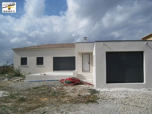 Est zargues 30 villa moderne atoutplans architecture - Architecture de villa moderne ...