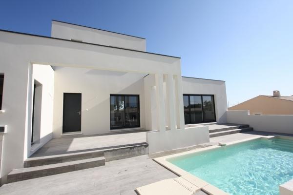 Villa moderne rochefort du gard atoutplans architecture for Architecture de villa moderne